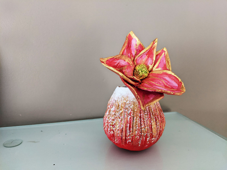 Flower Pinch Pot by Fan Stanbrough